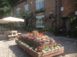 Alvanley Arms Inn