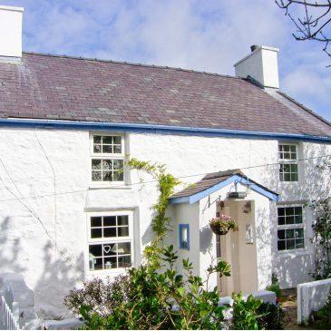 Hen Tyn Y Mynydd – Mynydd Bodafon near Moelfre, Anglesey
